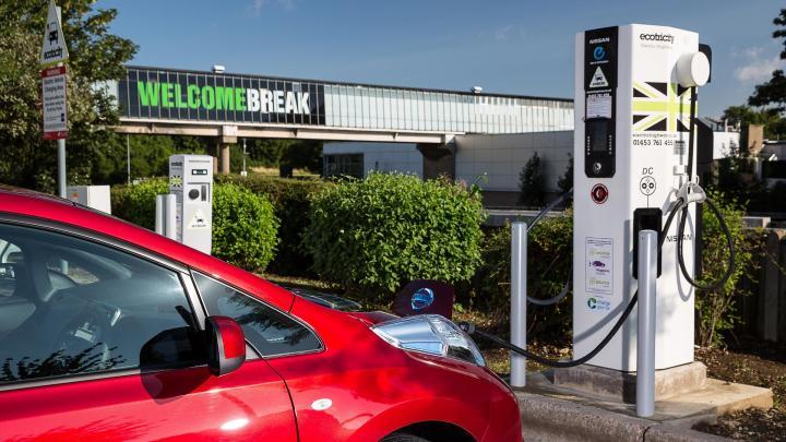 motorway-servicesleaf-charging