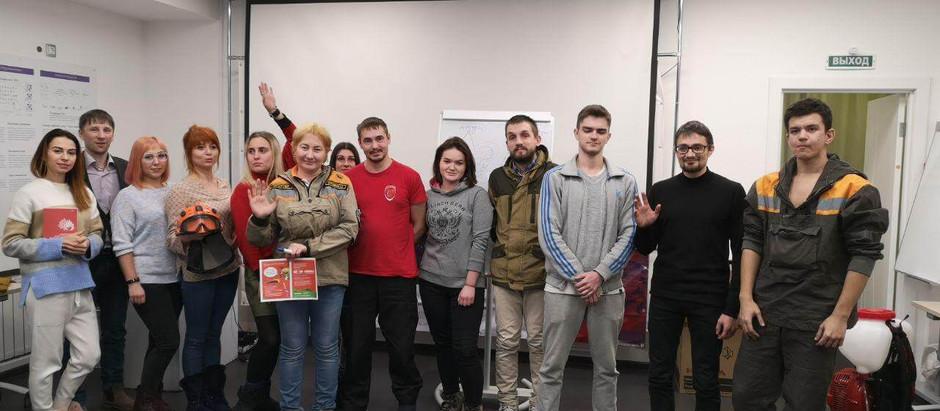 Иркутск оттачивает навыки: инструкторы ДКБ провели тренинг для добровольцев-спасателей