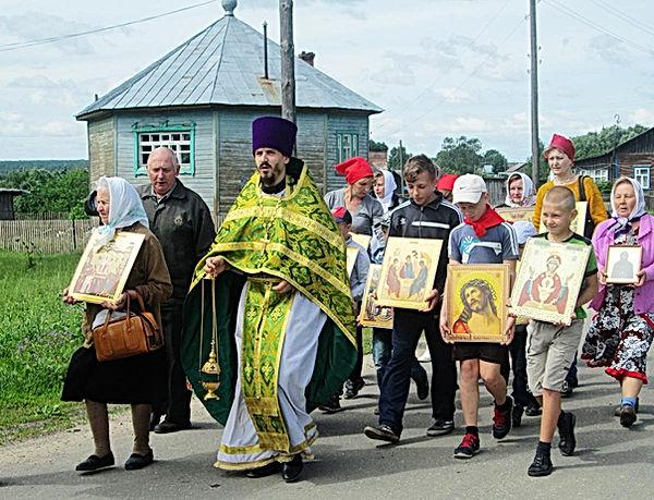 Крестный ход в селе Колшево