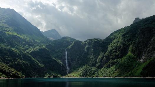 Cascade du lac d'Oô