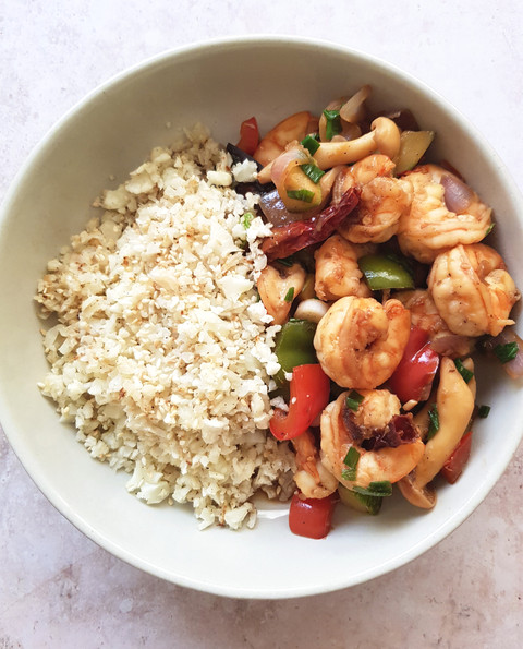 Burnt Garlic & Chilli Prawn Stir Fry (with Cauliflower Rice)