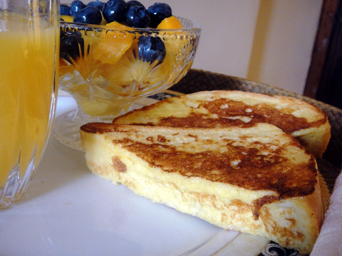 Canadian Stuffed French Toasts