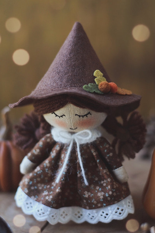 Happylabtoys - Mini Witch Doll With The Brown Hat