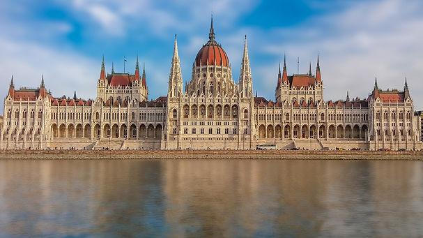 budapest-2134868_1920 (1)PIXABAY.jpg