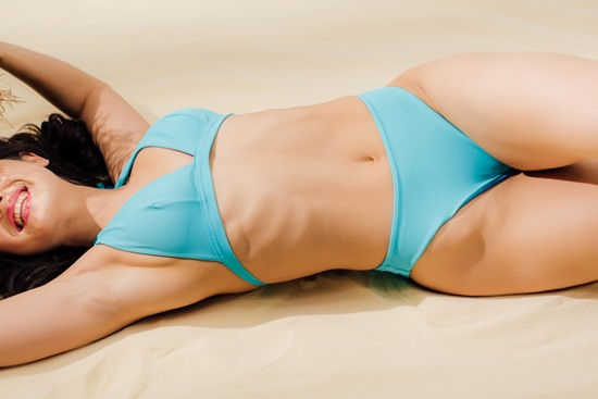 corpo na praia esguio - heccus ultrassom