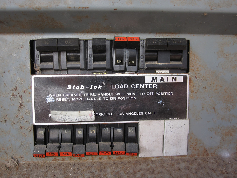 Federal Pacific Stab-Lok panel