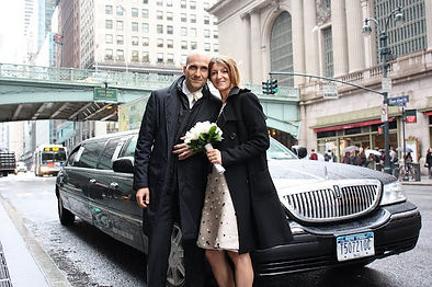 Sposarsi a New York, sposi in limousine