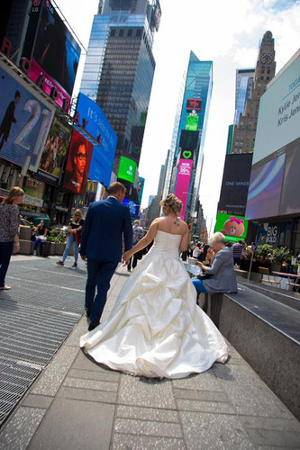 Sposi a Times Square New York