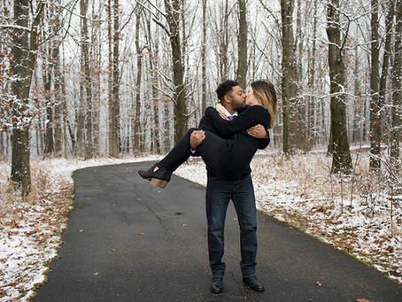 Lifestyle Winter Engagement Session / Lindsay + Gabe / Peoria, Illinois / Jacklyn Byrd Photography