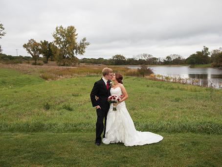 Arrowhead Country Club // Burgundy Fall Wedding // Midwest Bride // Brandon + Rachel