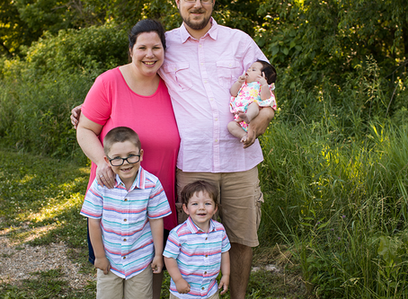 The S Family // Summer Family Photo Session // Peoria, Illinois // Jacklyn Byrd Photography