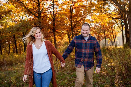 Fall Engagement Illinois Session with the Best fall colors