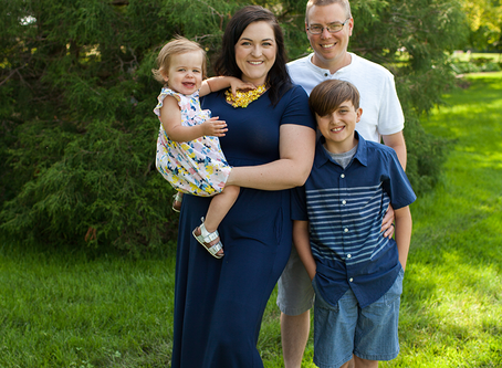 Summer Family Photo Session // Peoria, Illinois // Jacklyn Byrd Photography