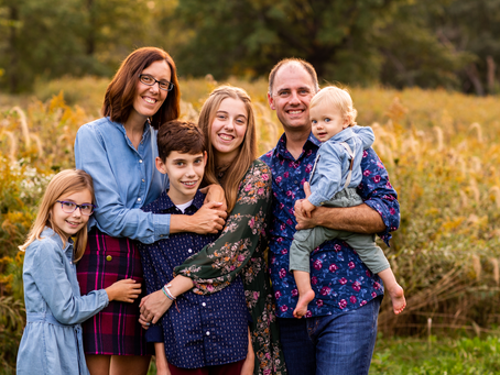 """The """"S"""" Family // Peoria Fall 2021 Family Session // Jacklyn Byrd Photography"""