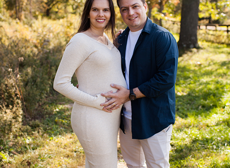 "Maternity Session Peoria, Illinois // The ""F"" Family // Jacklyn Byrd Photography"
