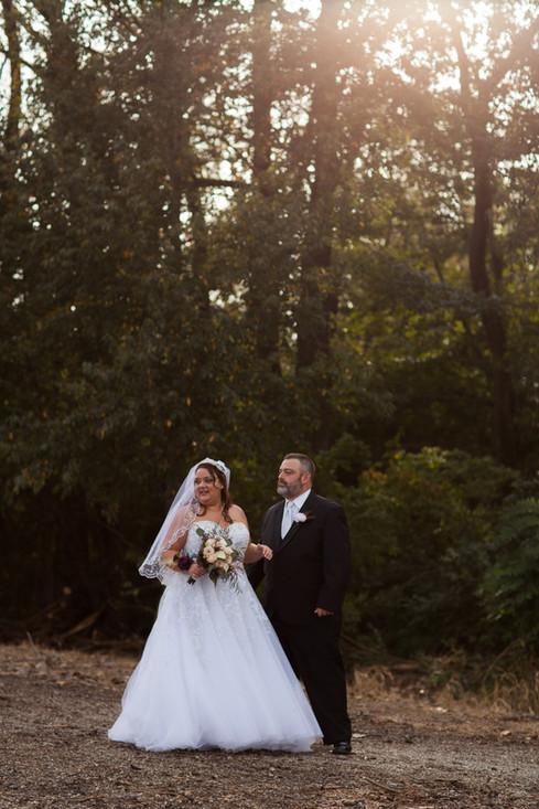 wedding couple at Wildlife Prairie Park Fall Wedding