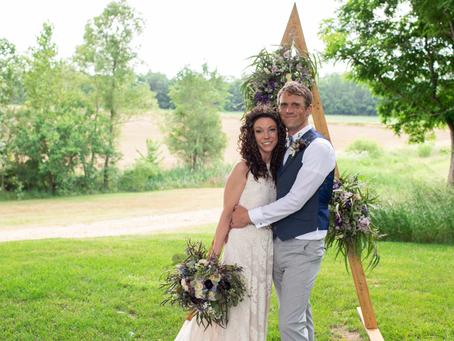 Jillian + Davin // Pekin Proven Grounds Wedding // Jacklyn Byrd Photography