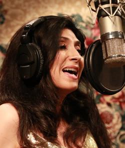 Debi Raven-sings