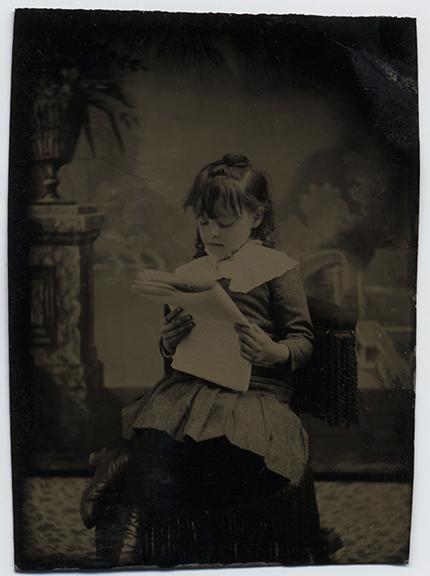fp3527(TT_Girl_Seated_Reading)