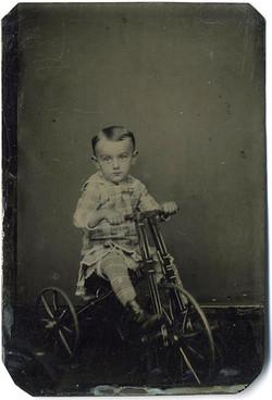 fp1786 (boy-tricyle)