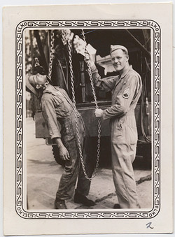 fp4610(Soldiers_StagedHangingFromChain)