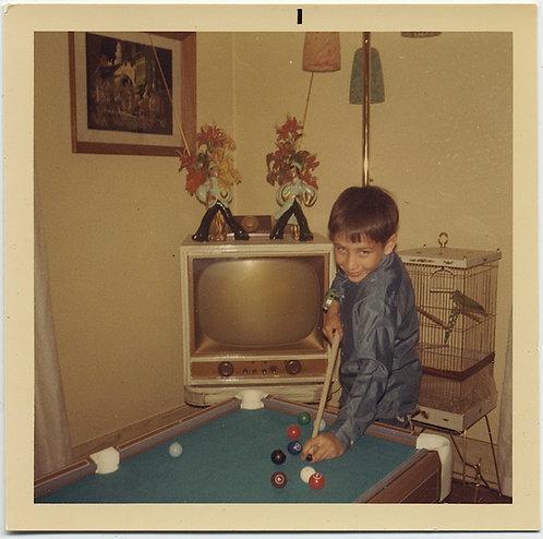 CUTE LITTLE BOY PLAYS KID POOL VINTAGE TV & PARAKEET CAGE INTERIOR