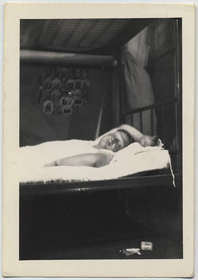 fp3984(ManSleeping_LowerBunk)
