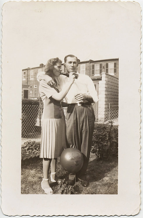 UNUSUAL COUPLE DRINKS BACKYARD BLUES AWAY w MOUSE or CAT BALLOON PLEATED SKIRT