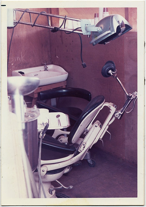 UNUSUAL DENTIST's CHAIR & MAKESHIFT OPERATING ROOM PLYWOOD WALLS