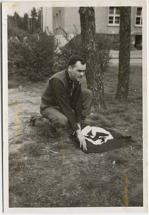 MAN FOLD or UNFOLDS NAZI SWASTIKA FLAG UNUSUAL