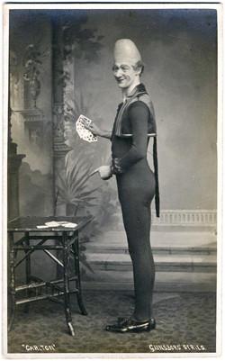 fp2125 (Conehead-Magician-Cards)