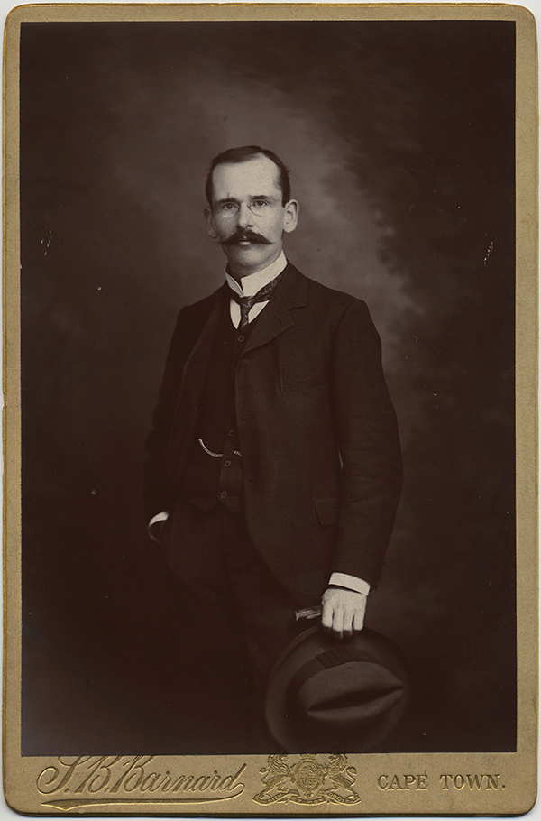fp10347(CC-South-African-Cape-Town-Man).