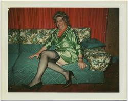 fp5295(DragQueen_Couch_CrossDressing)