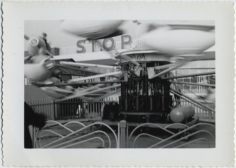 fp6280(CarnivalRide_Airplanes_Blur)
