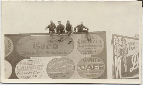 SUPERB DOUGHBOYS WWI SOLDIERS CLIMB UP POSE on VINTAGE BILLBOARD