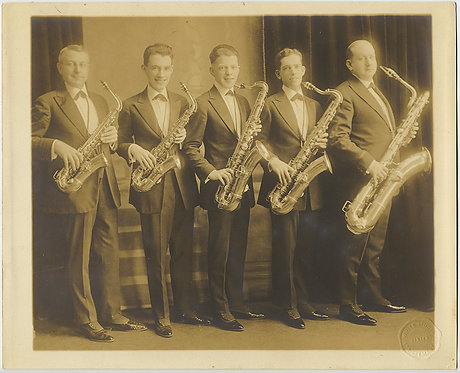 FABULOUS LARGE SAXOPHONE QUINTET in STUDIO PR pic SAXOPHONISTS Orig CELLOPHANE