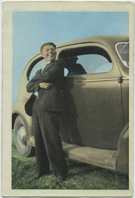 fp5158(Car_1937Ford_Tinted)