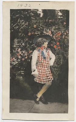 fp2780(Girl_RoseGarden-tinted)