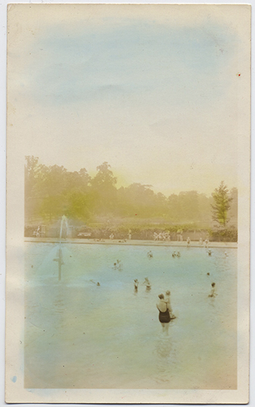 fp4667(LargeSwimmingPool_Fountain-tinted)