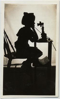 fp5288(Girl_Silhouette_Telephone_Antique)