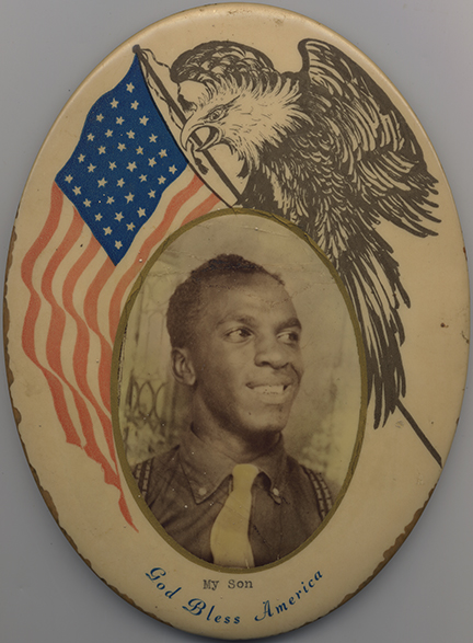 fp4166(CelluloidButton_AfricanAmericanSoldier_CaptionMySonGodBless)