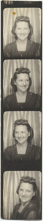 PRETTY WOMAN in PHOTOBOOTH STRIP FOUR POSES