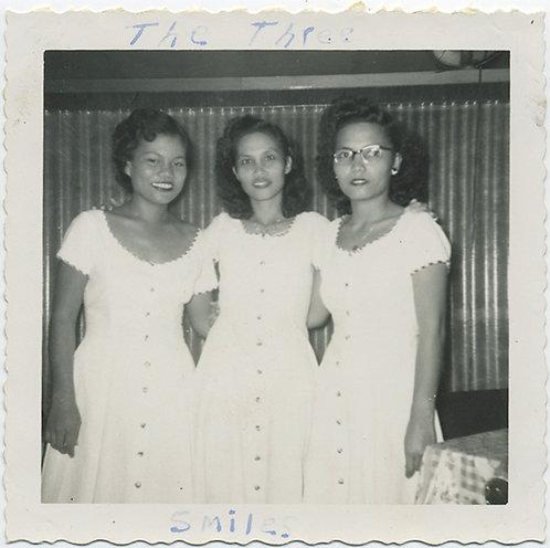 "3 GRACES ""The THREE SMILES"" CAPTION AWESOME PRETTY FILIPINA? WOMEN  in WHITE"