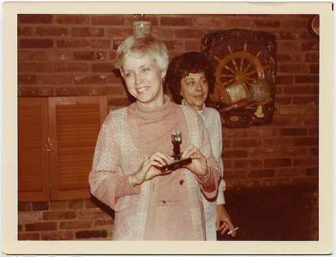 CUTE SHORT HAIRED WOMAN with KODAK INSTAMATIC 110 w FLASH 1976