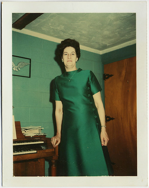 STUNNING POLAROID WOMAN in EMERALD DRESS GREAT CAPTION TOWERS over HOME ORGAN