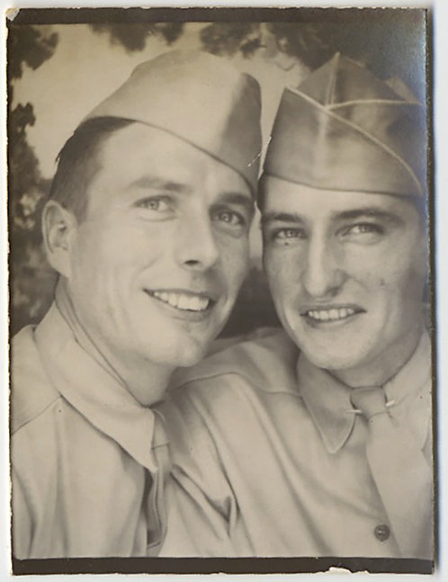 HANDSOME CUTE INTIMATE SOLDIER BUDDIES SNUGGLE TOGETHER in PHOTOBOOTH GAY INT!