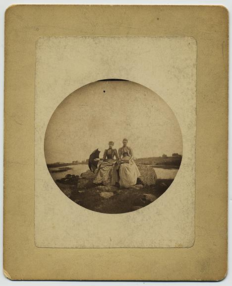 fp2950(Kodak1_WomenSeated_Countryside)