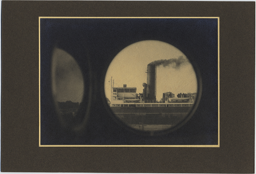 fp4236(ViewThroughRoundBoatWindow_Ship_Smokestack)