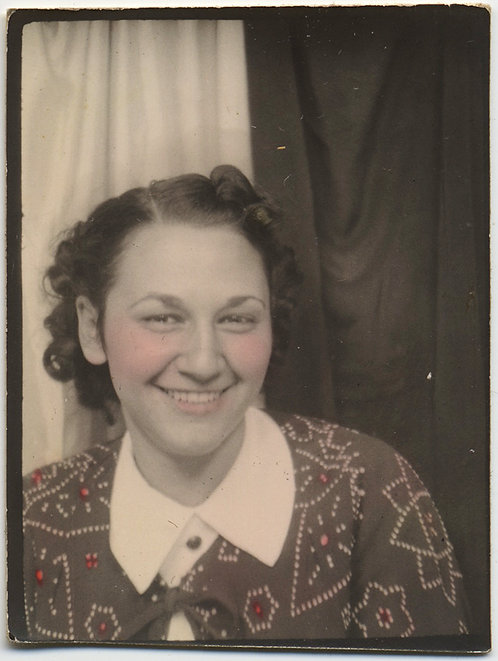 LOVELY TINTED PHOTOBOOTH of CHARMING YOUNG WOMAN w AWESOME TINTED SWEATER