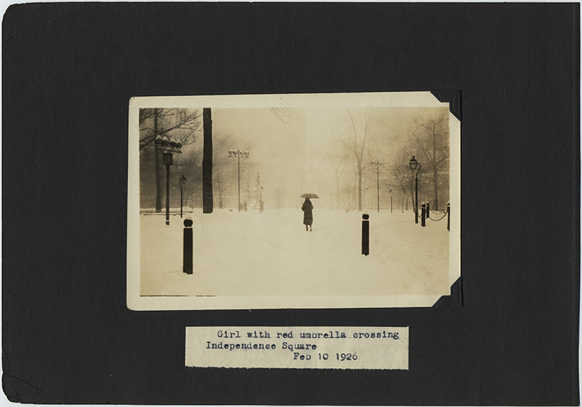 fp2567(Winter_CaptionGirlRedUmbrellaIndependenceSquare1926_Park_Snowing)
